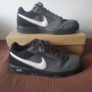 Nike Air Prestige III sneakers . Size 10